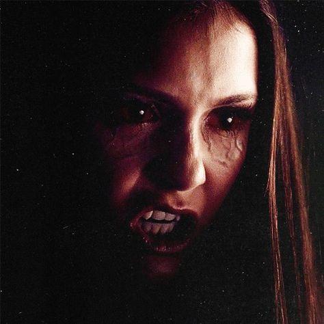 pretty vampire makeup tutorial