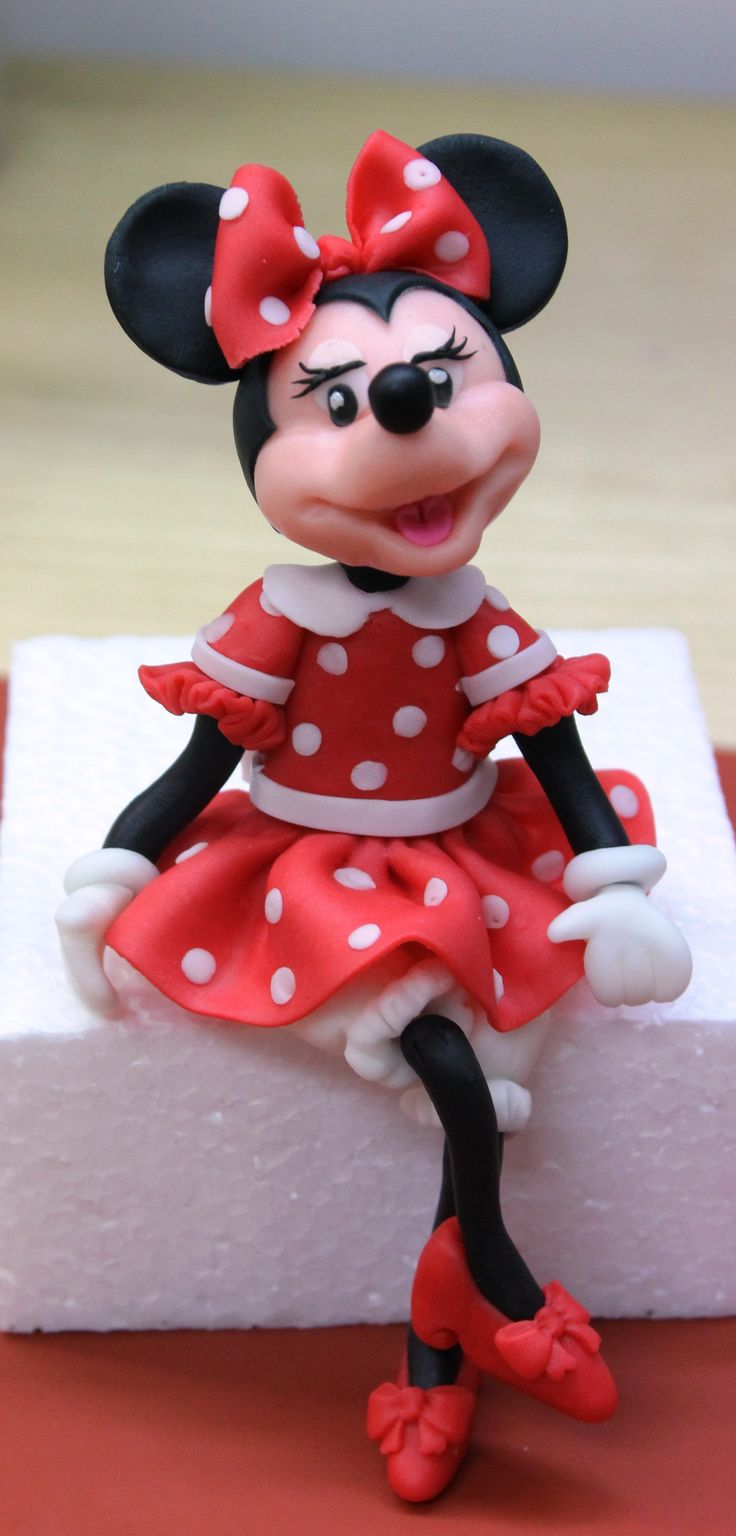 fondant mickey mouse figurine tutorial