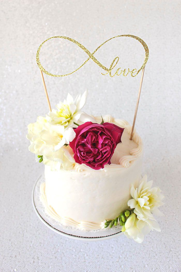 cricut cake topper tutorial