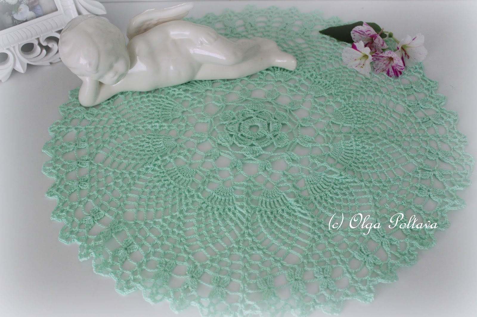 crochet pineapple doily tutorial