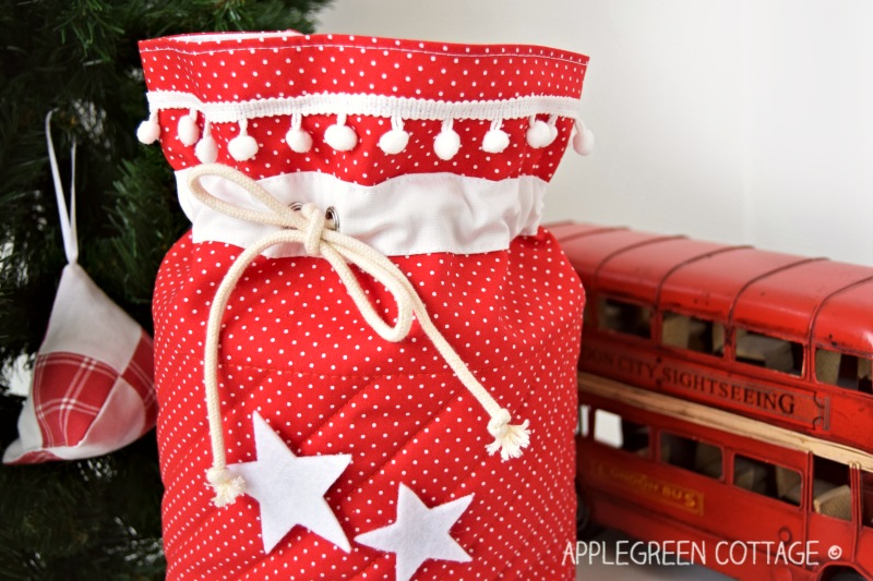 lined santa sack tutorial
