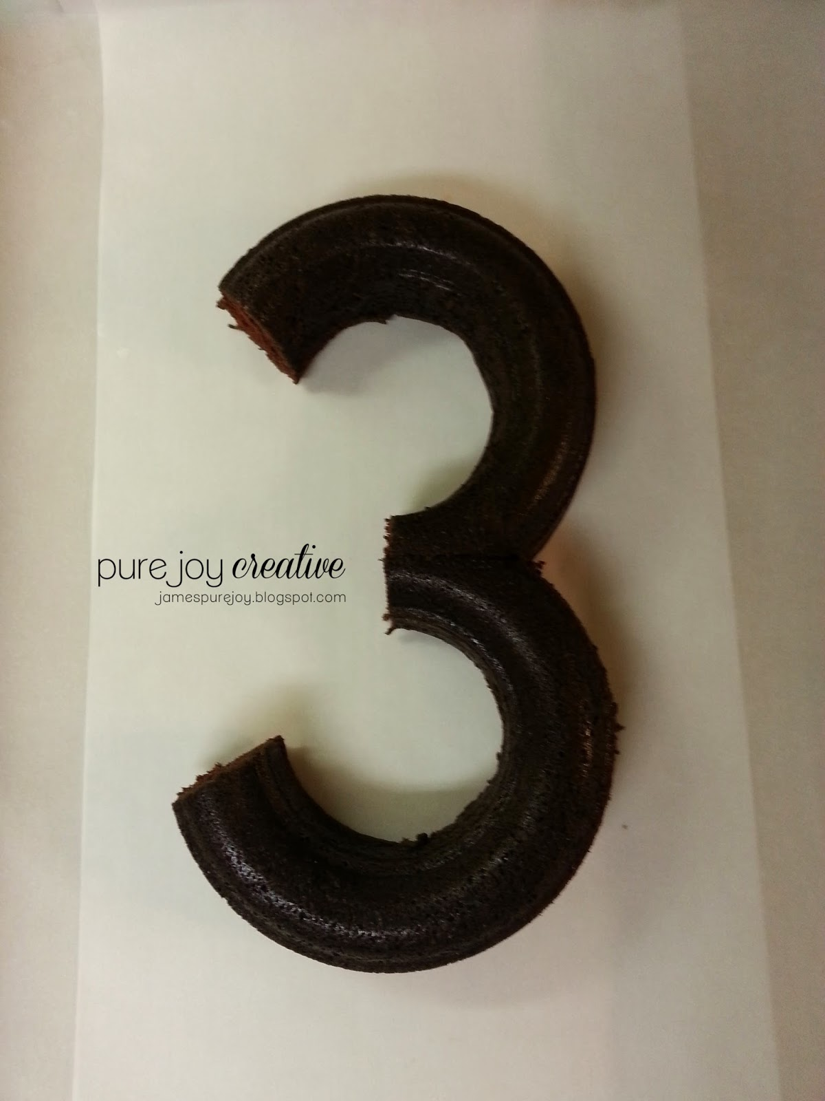 number 4 cake tutorial